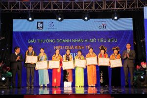 Gallery: Ceremony recognizes individuals and microfinance institutions typically Citi – Vietnam 2014 (CMA 2014)